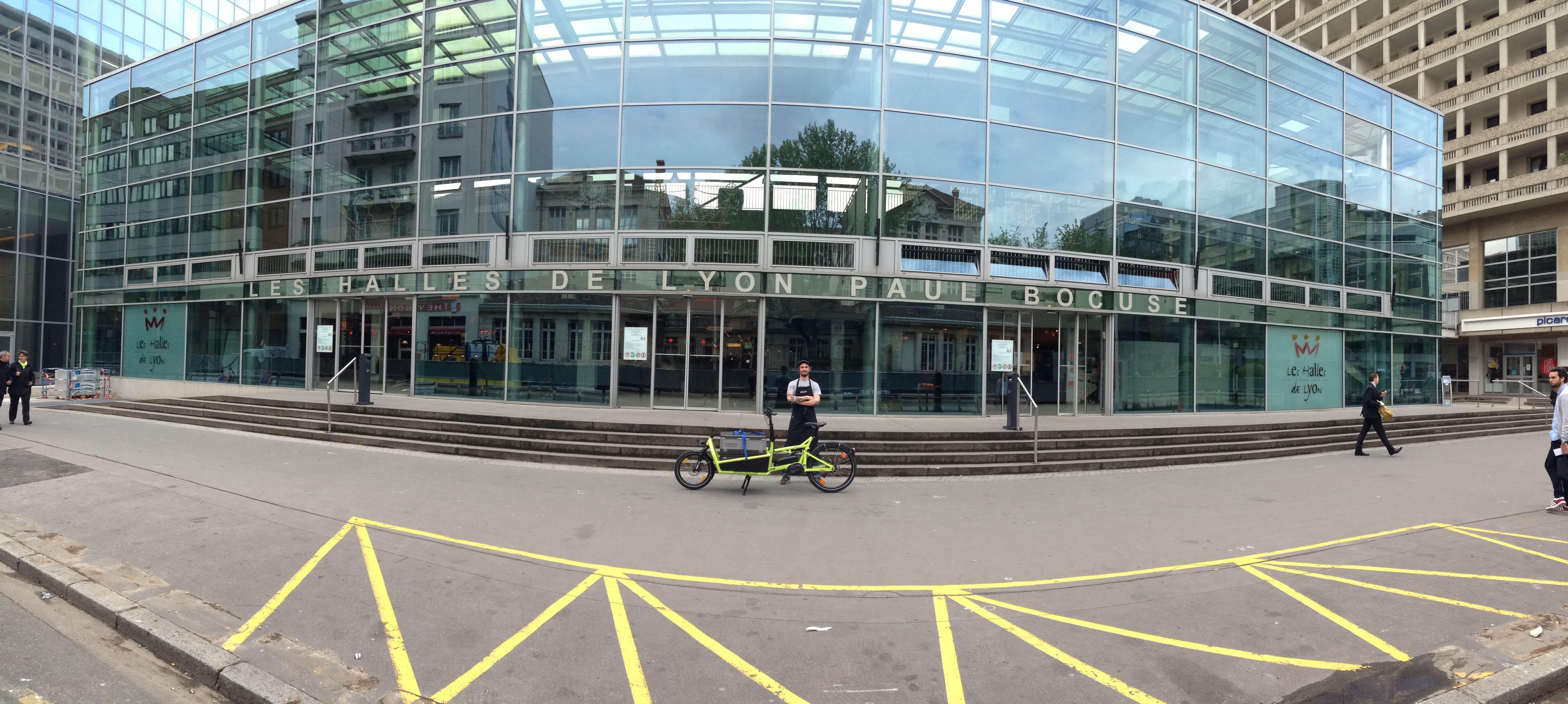 vélo cargo aux Halles de Lyon